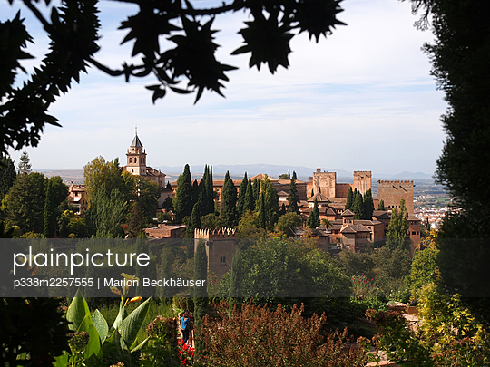 Spain, Andalusia, View of the Alhambra - p338m2257555 by Marion Beckhäuser