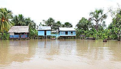 Dorf am Amazonas - p045m1017188 von Jasmin Sander