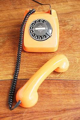 Telefon mit Wählscheibe - p214m1000345 von hasengold