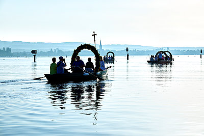 Germany, Radolfzell, Mooser water procession - p1299m2289455 by Boris Schmalenberger
