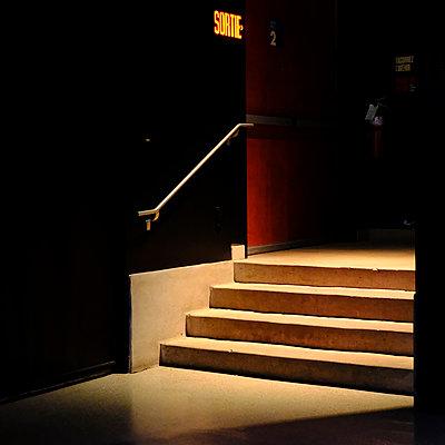 Stairwell - p1105m2086529 by Virginie Plauchut