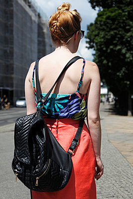 Woman with backpack - p1215m1017094 by Kim Keibel