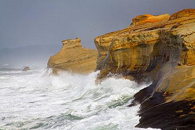 Cape Kiwanda, Oregon Coast, Oregon, USA - p4428286f by Design Pics