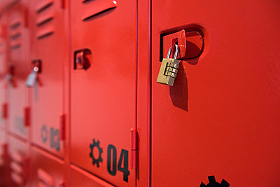 Lockers - p623m1506845 by Eric Audras