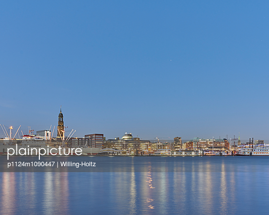Panorama von Hamburg - p1124m1090447 von Willing-Holtz