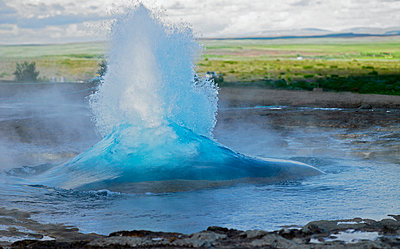 Strokkur Geysir at Haukadalur in Iceland errupts  - p343m958445f by Henn Photography