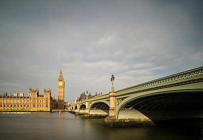 River Thames, Westminster Bridge and Palace of Westminster, London, UK - p429m1135372f by Mischa Keijser