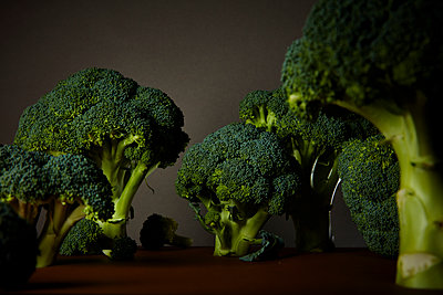 Broccoli - p851m1148627 by Lohfink