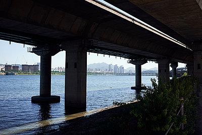 Korea, Seoul, Bridge - p1492m2178679 by Leopold Fiala