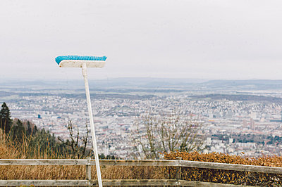 Besen über Zürich - p1085m880911 von David Carreno Hansen