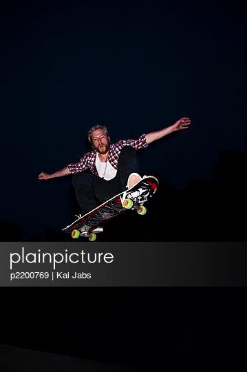 Skateboard fahren - p2200769 von Kai Jabs