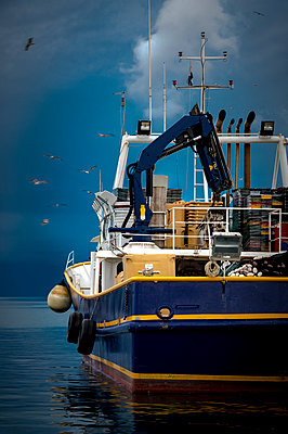 Fishing boat - p1275m1511143 by cgimanufaktur