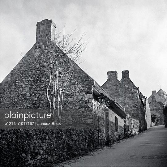 Häuser, Locronan, Finistère - p1214m1017167 von Janusz Beck