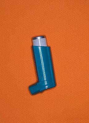 Inhaler - p1082m2015481 by Daniel Allan