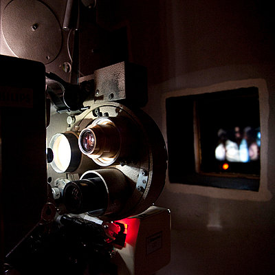 Cinematograph - p567m720740 by Sandrine Agosti Navarri