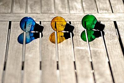Farbige Glühlampen - p8290058 von Régis Domergue