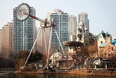 Lotte World amusement park - p226m1444530 by Sven Görlich