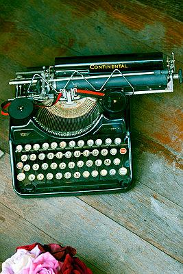 Alte Schreibmaschine - p4320499 von mia takahara