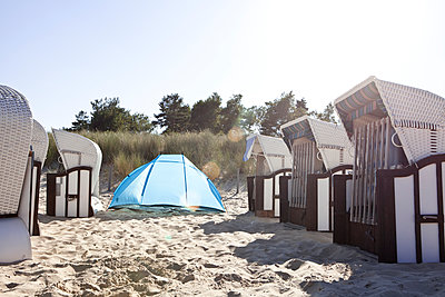 At the beach - p781m944865 by Angela Franke