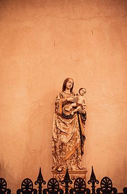 Madonna mit Kind - p382m2196277 von Anna Matzen