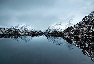 Lofoten - p1256m1057618 by Sandra Jordan