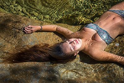 Entspannung im flachen Wasser - p1437m1502374 von Achim Bunz