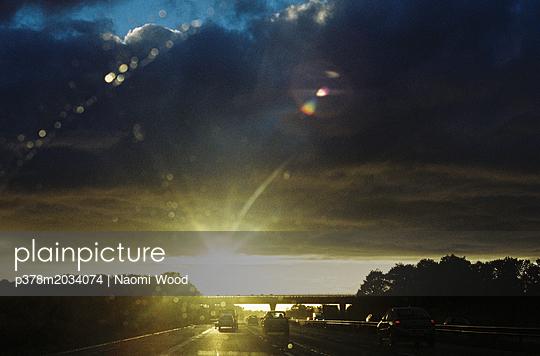 p378m2034074 von Naomi Wood