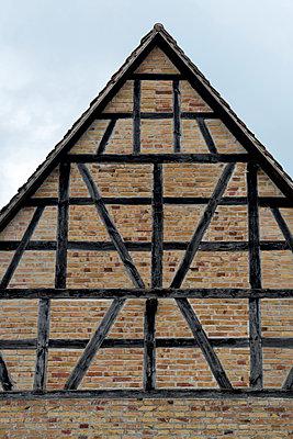 Fachwerkhaus  - p451m1149674 von Anja Weber-Decker