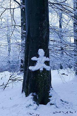 Baum mit Figur - p4170029 von Pat Meise