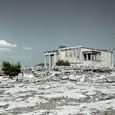 Ancient ruin, Greece - p1624m2195917 by Gabriela Torres Ruiz