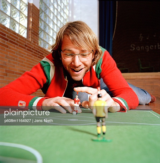 Tipp Kick - p608m1164927 von Jens Nieth