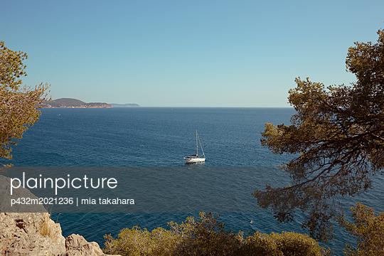 Blick aufs Meer in Toulon - p432m2021236 von mia takahara