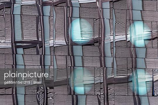 Fensterfront - p488m1541219 von Bias