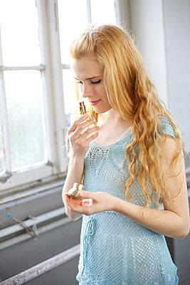 trying a new fragrance - p6060641 by Iris Friedrich