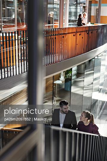 plainpicture - plainpicture p426m2097852 - High angle view of business... - DEEPOL by plainpicture