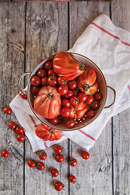 Oxheart tomatoes and cherry tomatoes - p300m941046f by Susan Brooks-Dammann