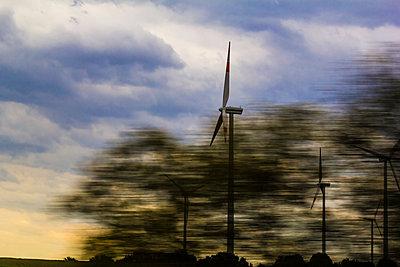 Windräder - p739m1051134 von Baertels