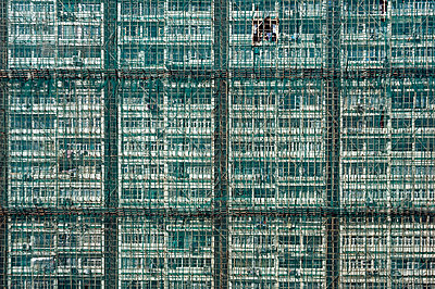 Bamboo scaffolding - p589m1132530 by Thierry Beauvir