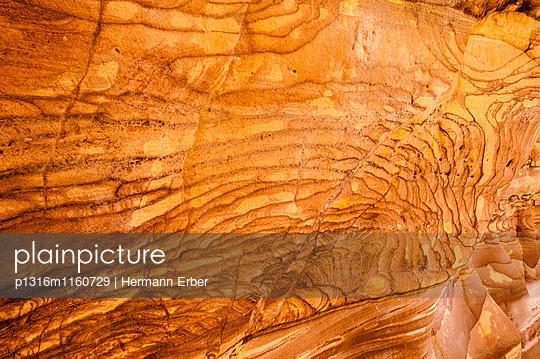 Felsstruktur, Wadi Mujib, Jordanien, Naher Osten - p1316m1160729 von Hermann Erber