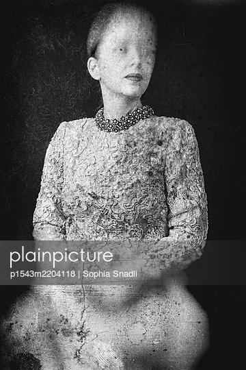 Portrait de Famille  - p1543m2204118 by Sophia Snadli
