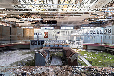 Abandoned control room - p1440m1497501 by terence abela