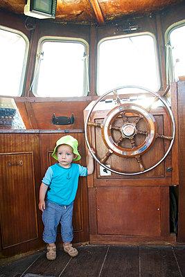 Kleiner Kapitän - p606m1564846 von Iris Friedrich