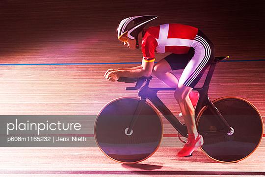 Bahnradfahrer - p608m1165232 von Jens Nieth