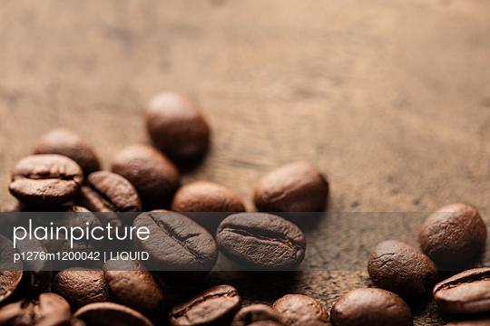 Kaffeebohnen Nahaufnahme - p1276m1200042 von LIQUID
