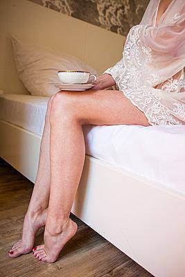 Kaffeepause am Morgen - p045m2092813 von Jasmin Sander