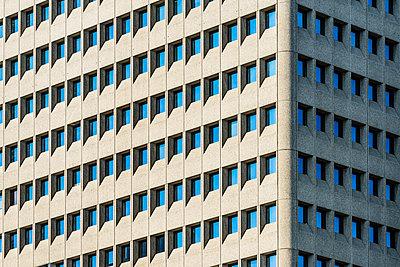 Weena Stadtteil, Hochhausfassade - p488m1181936 von Bias