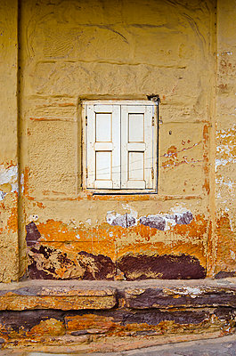 Shuttered White Window in Yellow Wall - p1072m941366 by chinch gryniewicz