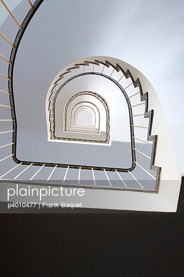 Treppenhaus - p4010477 von Frank Baquet