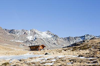 Holzhütte in den Bergen - p1357m1207551 von Amadeus Waldner