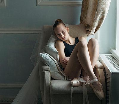Ballerina - p1476m1541385 by Yulia Artemyeva